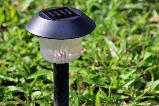 Solar betriebenes Licht im Garten