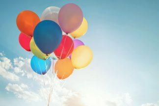 Ballons im Himmel